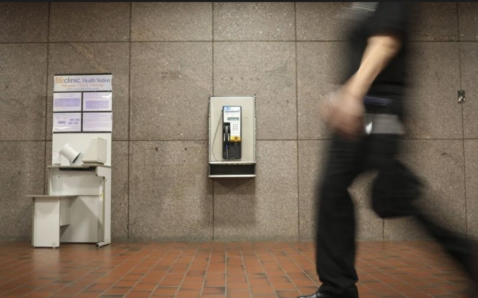 Know the Right when Using a Payphone or Public Phone